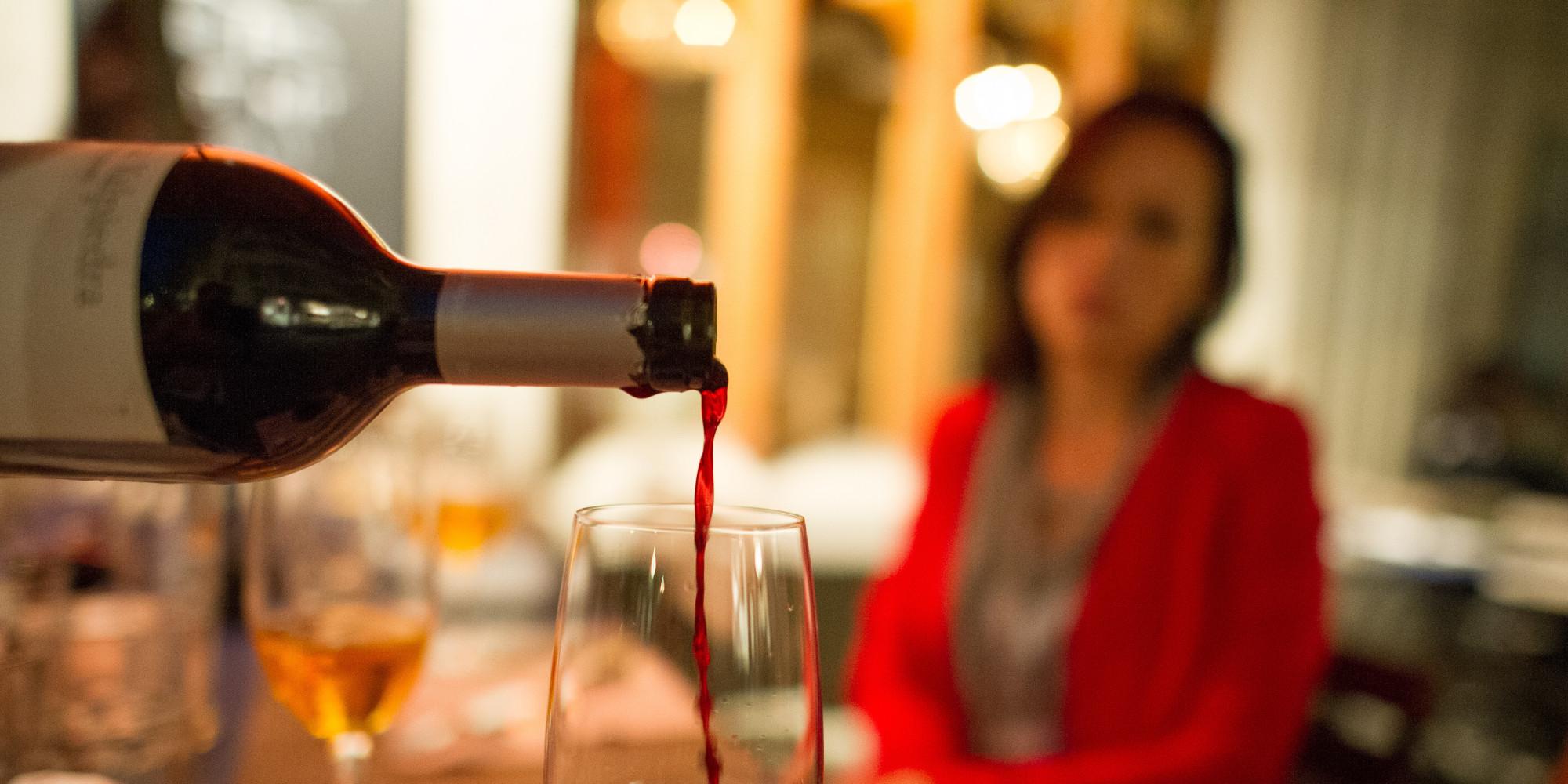 Kobieta uzależniona od alkoholu. Statystyki i powody picia.