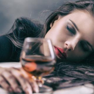 alkohol-i-kobiety-jak-pomoc-kobiecie-alkoholiczce